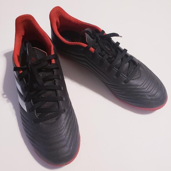 Adidas Predator indoor soccer cleats 7.5